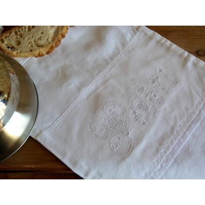 MARGAUX: sac à pain blanc monogramme et dentelle