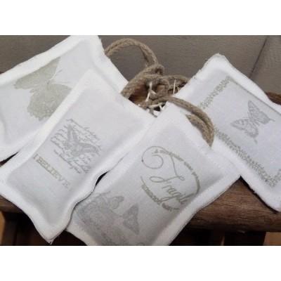 Butterflies: collection de coussins d'armoire lavande en linge ancien