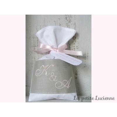 Sachet de dragées Mariage brodé en lin gris et rose- Monogrammes