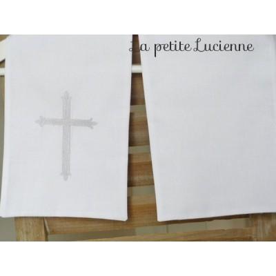 Linge blanc de baptême, étole de baptême avec croix brodée UNIQUEMENT (modèle F)