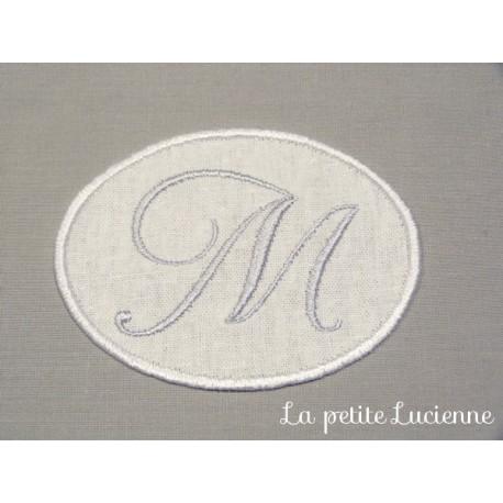 Lot 29: Monogramme M