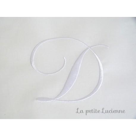 Lot 19: Monogramme D
