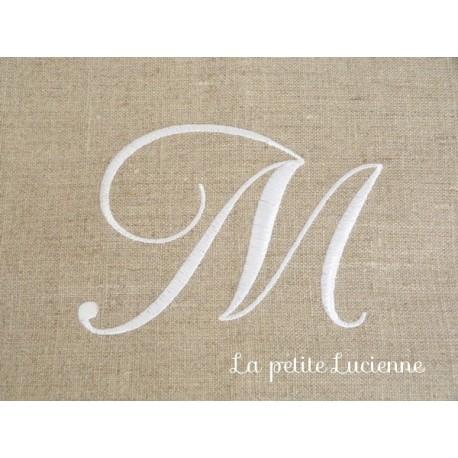 Lot 45: Monogrammes M
