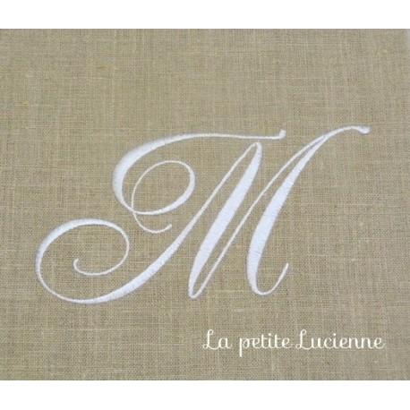 Lot 56: Monogramme M