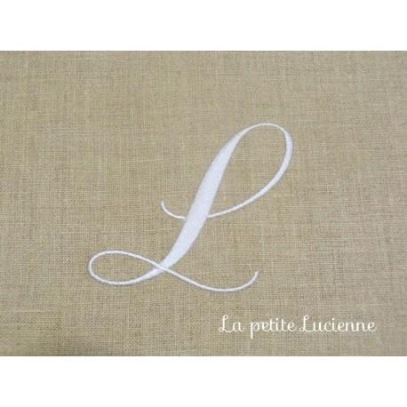 Lot 57: Monogramme L