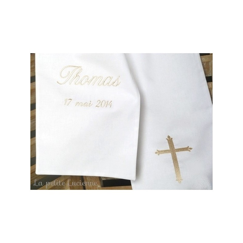33ef8285e4a Linge blanc de baptême  Linge blanc de baptême or  Linge de baptême et  croix brodée  Echarpe ...