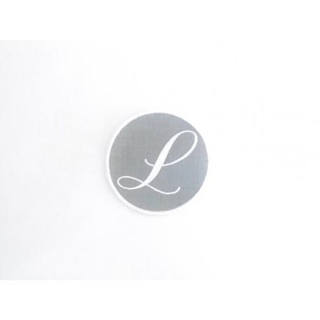 Lot 28: Monogramme L