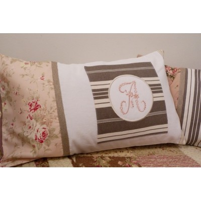 coussin monogramme Shabby