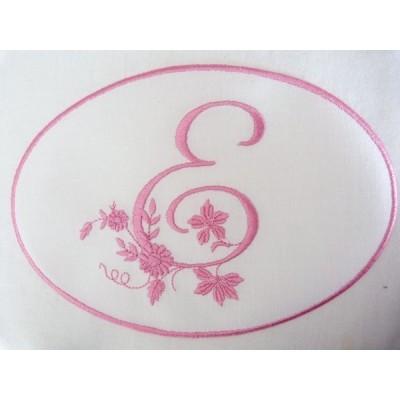 FLEUR: monogramme à coudre en médaillon
