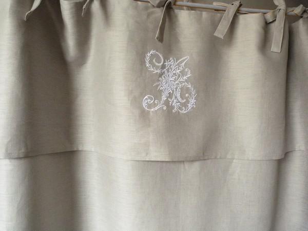 rideau en lin monogramme pour meuble
