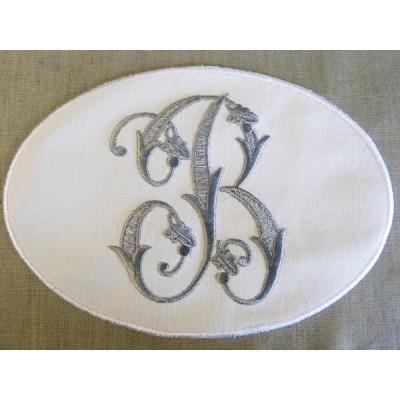 Gabin: monogramme brodé en médaillon