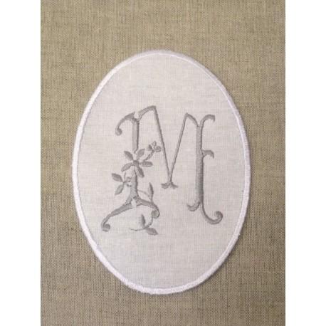 Médaillon monogramme Lucienne- vertical